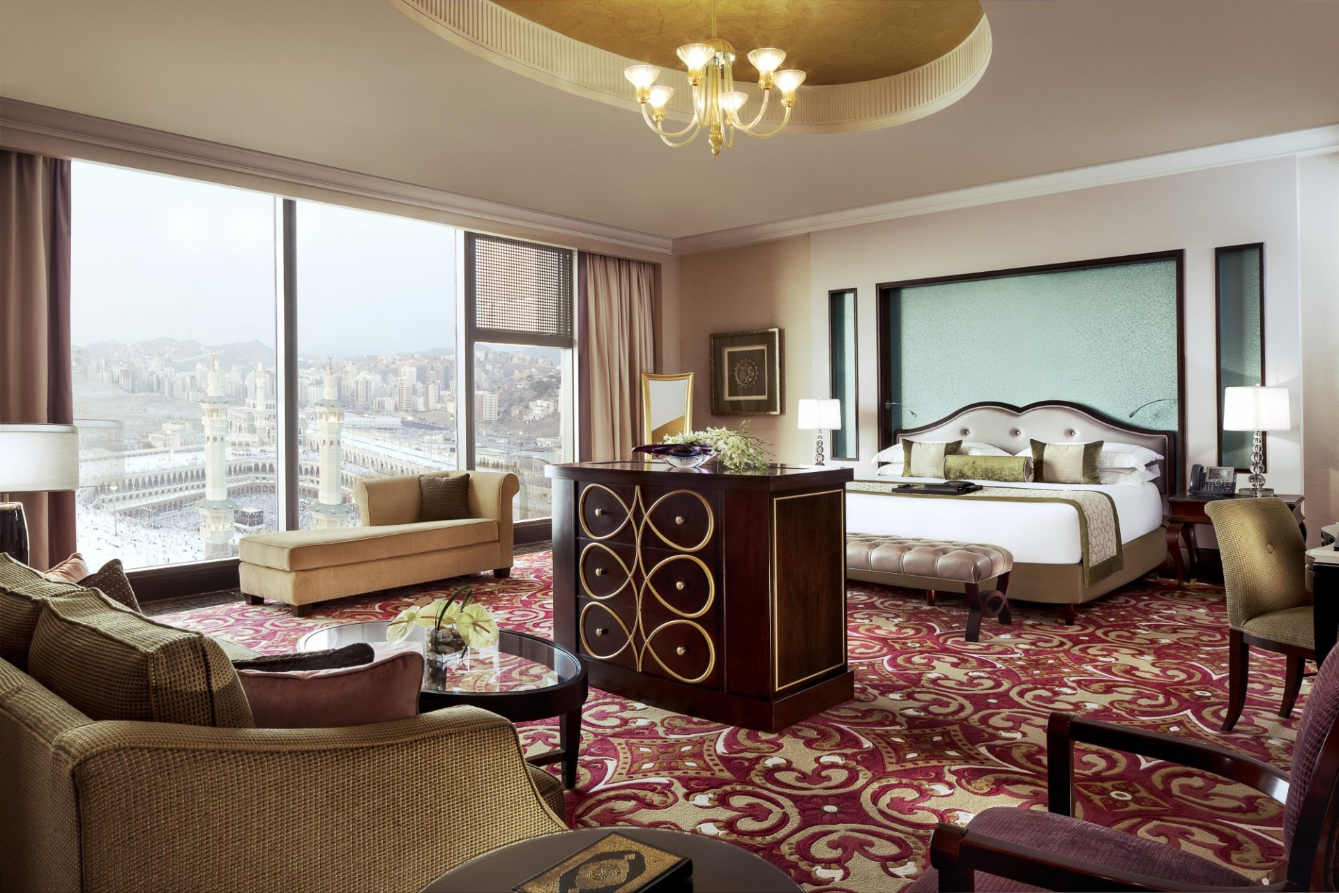 Fairmont_Makkah_Royal_Suite_Bedroom_490503_standard