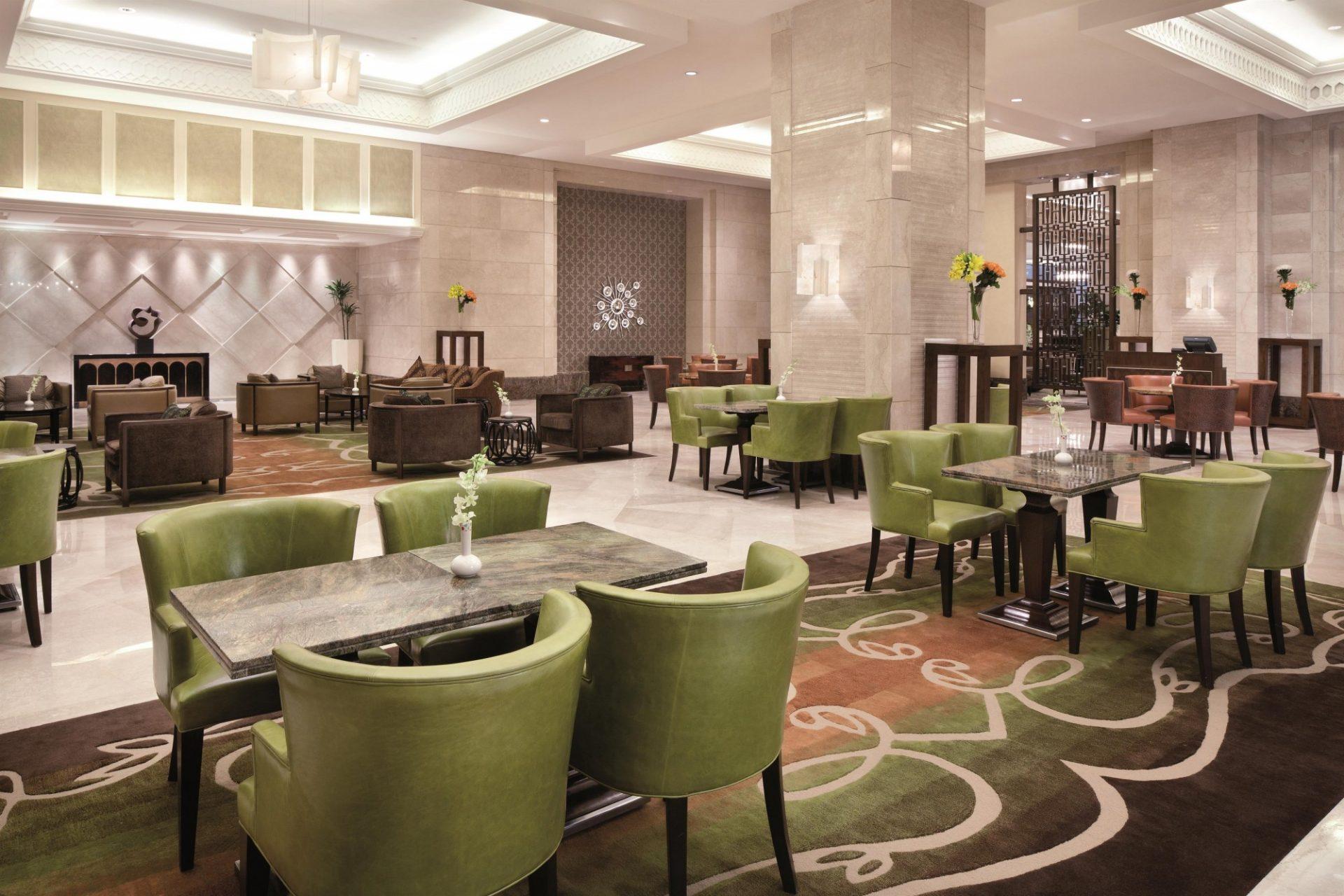 Restaurant_490479_standard