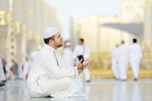 Man-Praying-Hajj