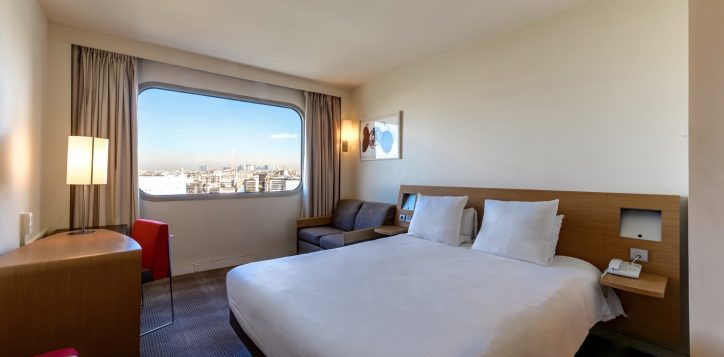 superior-room-high-floor-and-city-view