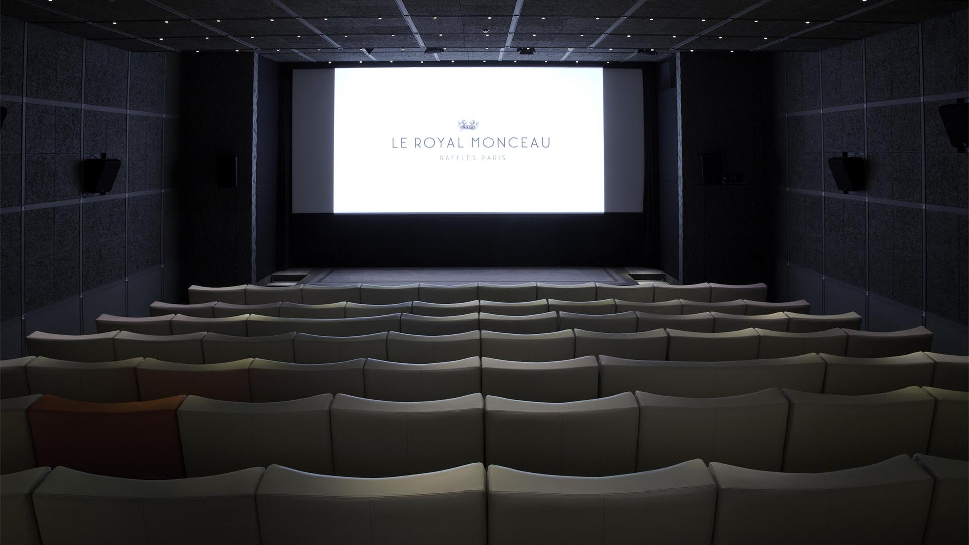 Katara private cinema le royal monceau hotel for Design hotel le cinema