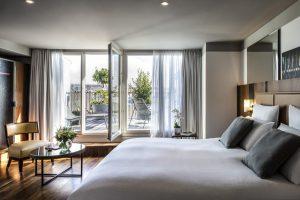 Junior Suite - 1 Lit King, un coin salon et terrasse privative