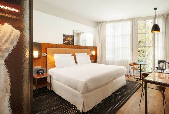 chambre-superieure-queen-bed