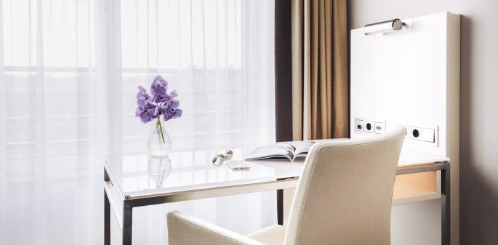 pullman_berlin_schweizerhof_superior_room_02