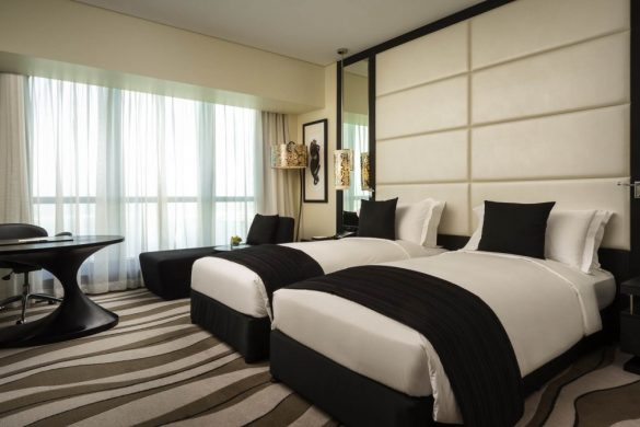 luxury-room-club-sofitel-2-single-beds-sea-view