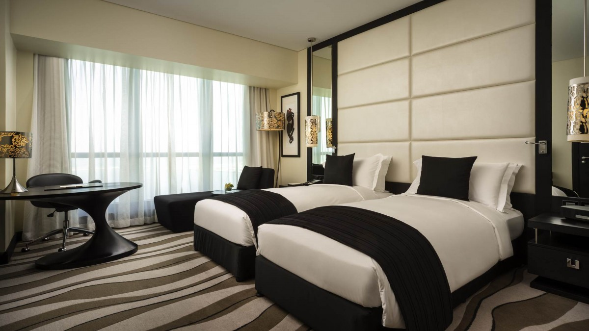 luxury-room-club-sofitel-2-single-beds-sea-view