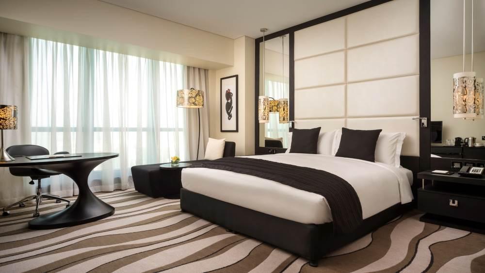 Sofitel Abu Dhabi Corniche - The Hotel