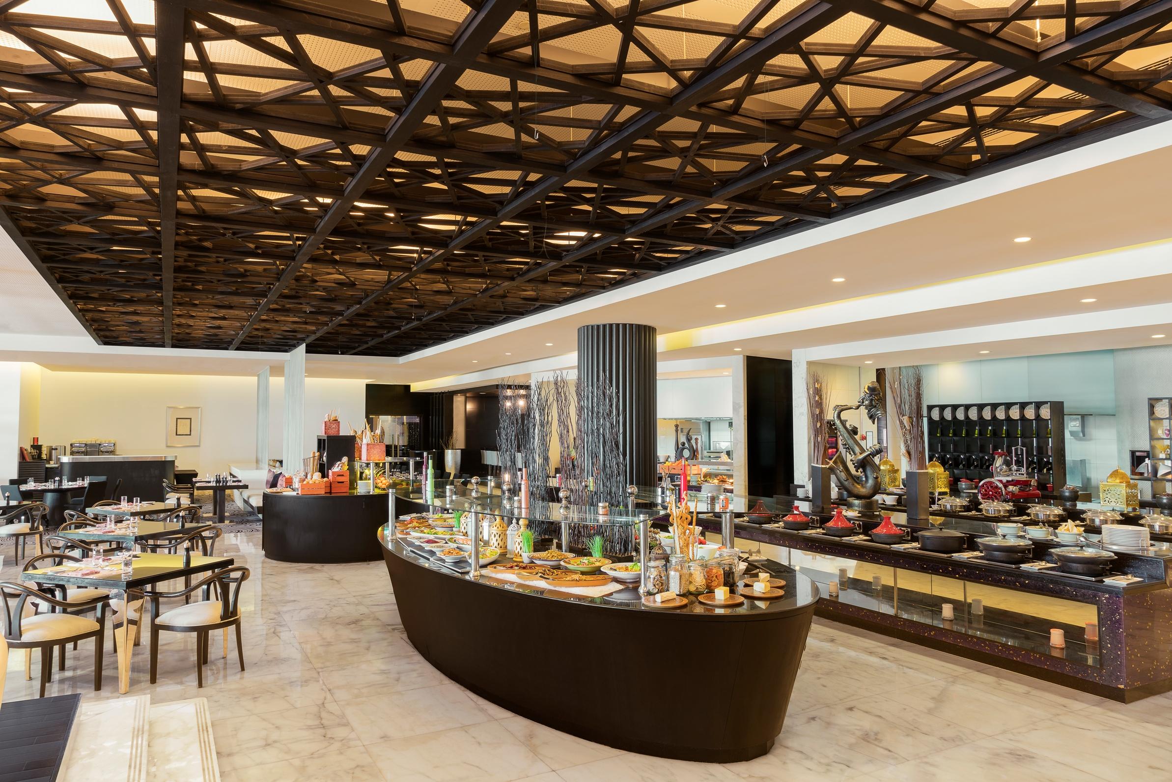 Sofitel Abu Dhabi Corniche Restaurant Bar