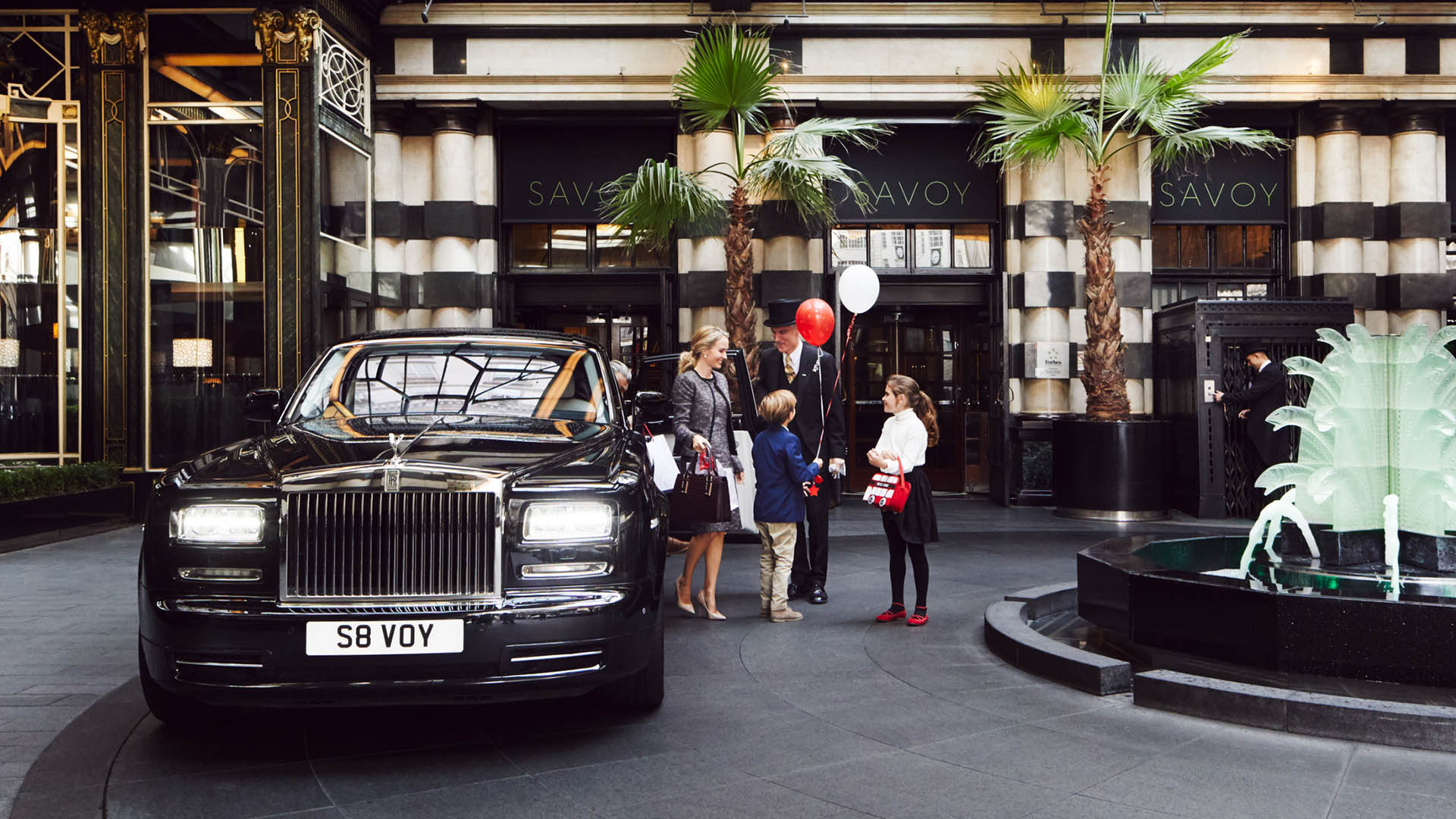 The Savoy Hotel in London   Luxurious 5 Star Hotel   The Savoy